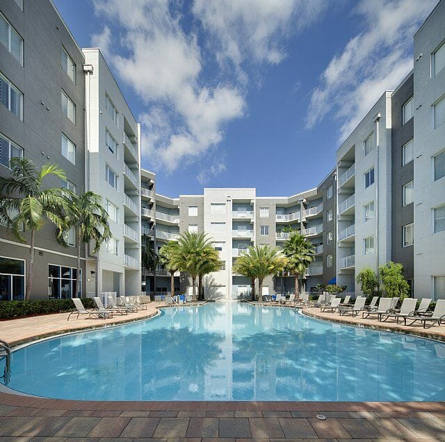 Bell Apartments: Tampa Corporate Housing At 1120 East Twiggs Street